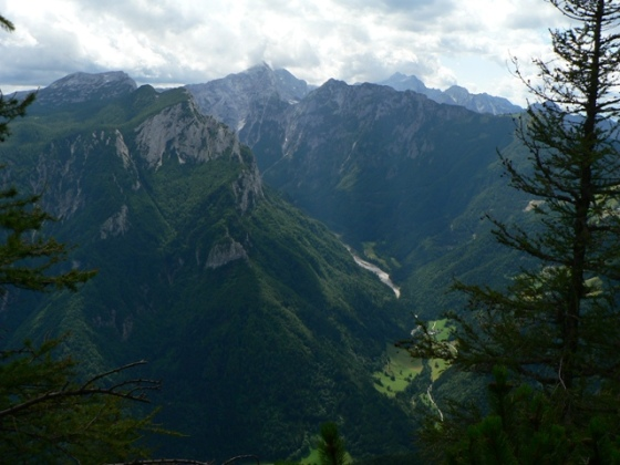 sus la munte